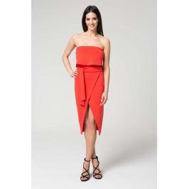 Koralowa Wieczorowa Sukienka z Odkrytymi Ramionami z Kopertowym Dołem Sukienki i suknie